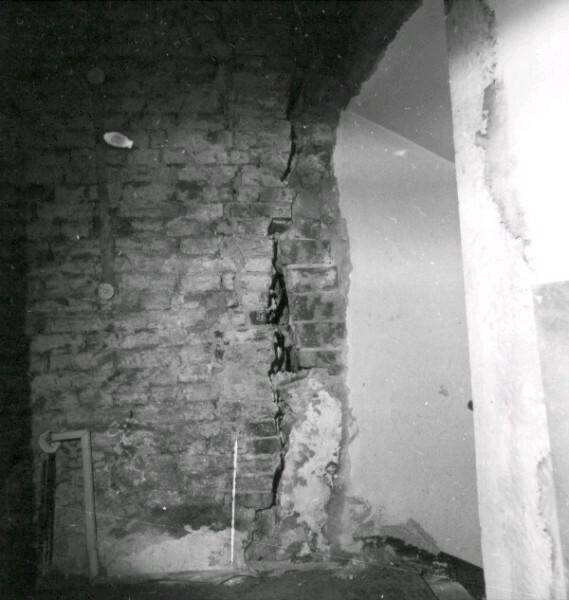 slm_R19-82-11.jpg
