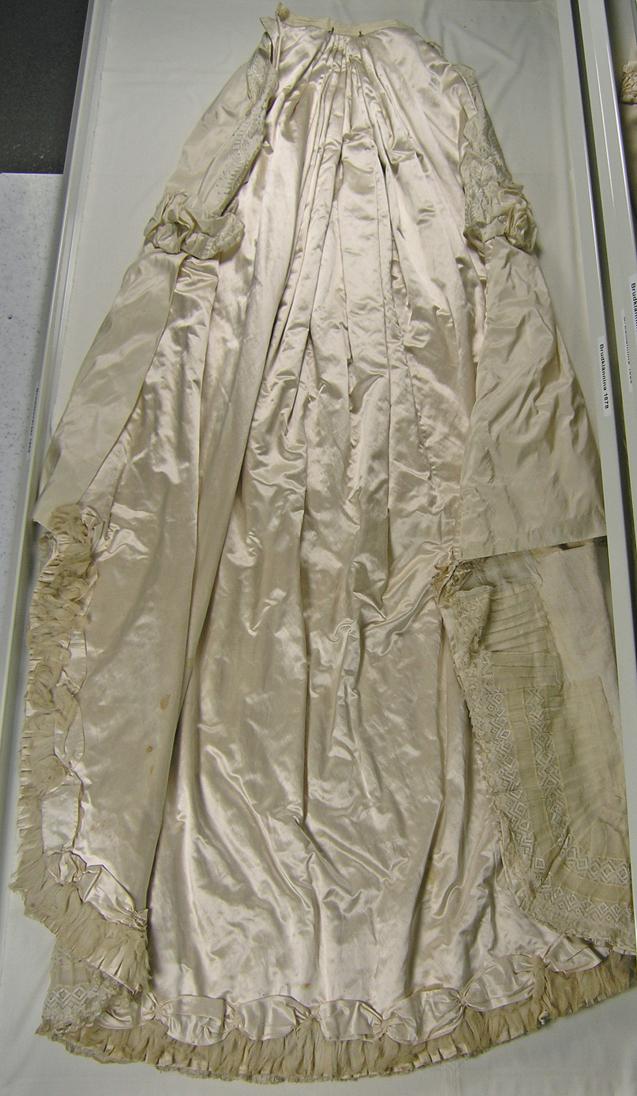 Sörmlands museum · SLM 6292 1 4 Brudklänning från 1860
