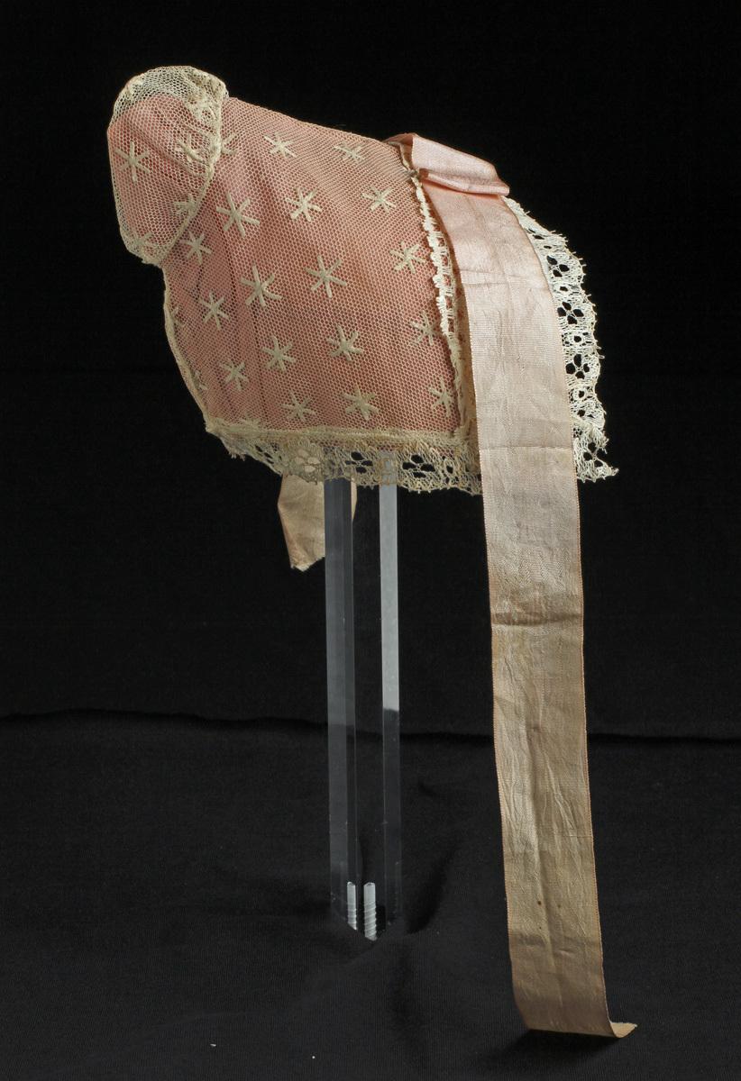 Sörmlands museum · SLM 3176 1-2 - Dopklänning bestående av en vit ... dd88f3a3d6179